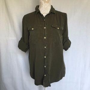 Athleta // Green Soft Roll Sleeve Button Up Shirt